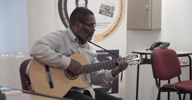 Atuação musical do Associado Cesar Lombá